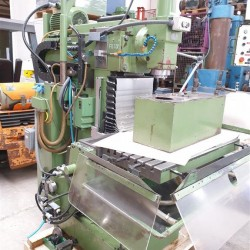 Werkzeugfräsmaschine - Universal